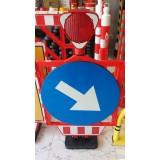 Suport tip baliză pentru indicatoarele rutiere