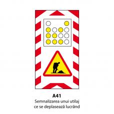 Semnalizarea unui utilaj ce se deplasează lucrând — Indicator rutier