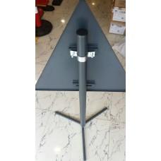 Stâlp metalic pentru indicatoare rutiere
